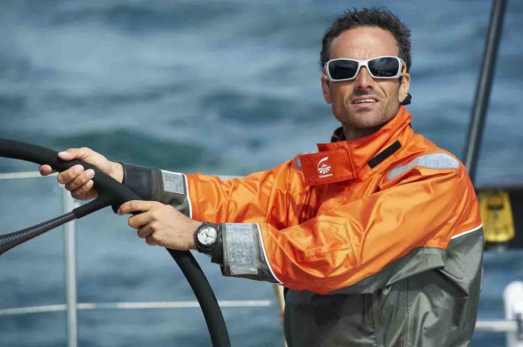 060711-Franck Cammas, skipper du VOR70 Groupama 4, porte a son poignet une montre Jean Richard